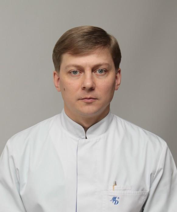 ГУБАРЬ ЕВГЕНИЙ АНАТОЛЬЕВИЧ, травматолого-ортопедическое отделение, врач-травматолог-ортопед 2